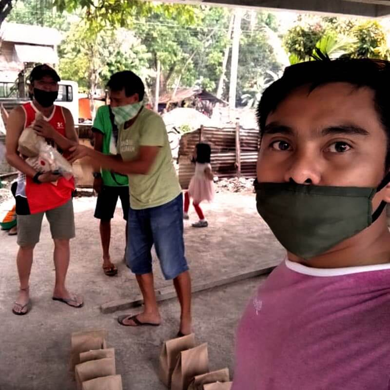 "alt=""Good Samaritan Helping Filipinos during Tough Times"""