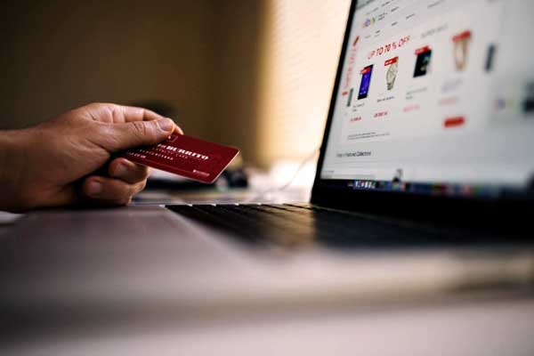 "alt=""Credit card and laptop for online shopping in probinsya"""