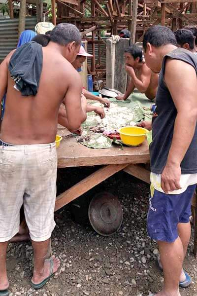 "alt=""Filipino boodle fight is a real feast"""